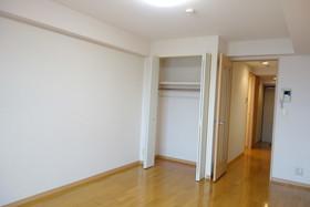 https://image.rentersnet.jp/98f7b524-396d-43f1-8222-d4d829dd44a5_property_picture_1992_large.jpg_cap_居室