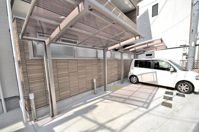 クリエオーレ稲田本町 敷地内にある専用の駐輪場。雨の日にはうれしい屋根つきです。