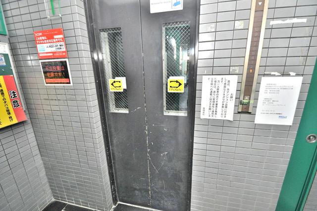 プリエール玉津 嬉しい事にエレベーターがあります。重い荷物を持っていても安心