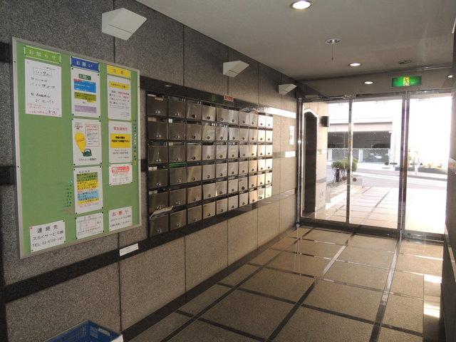 スカイコート横浜駅西口エントランス