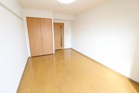 https://image.rentersnet.jp/99b69553-44a8-47c0-b5ba-83b0a5c4caec_property_picture_958_large.jpg_cap_居室