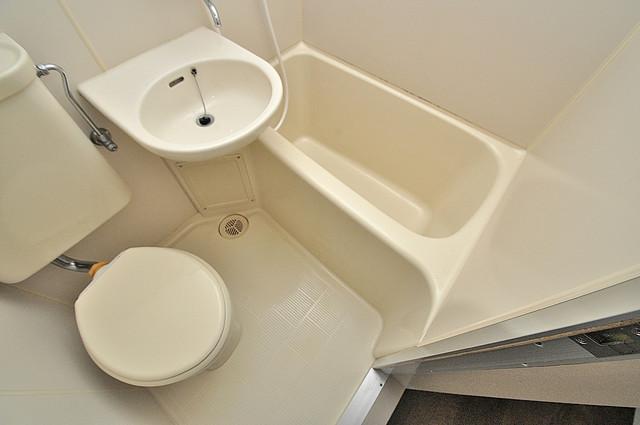 東大阪市上小阪4丁目の賃貸マンション シャワー一つで水回りが掃除できて楽チンです