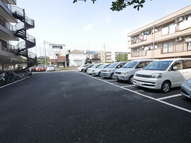ガーデンハイム駐車場