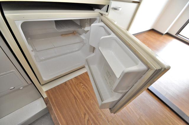 ライフステージ今里 ミニ冷蔵庫付いてます。単身の方には十分な大きさです。