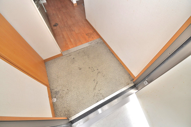 エントピア西堤C 玄関を開けると解放感のある空間がひろがりますよ。