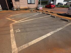 https://image.rentersnet.jp/9b2ef672-dc08-45b1-a5a2-49759f65197e_property_picture_955_large.jpg_cap_駐車場