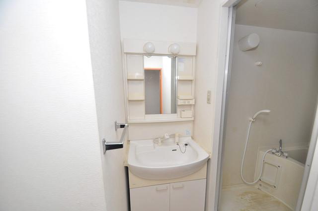 スパジオビィータ 独立した洗面所には洗濯機置場もあり、脱衣場も広めです。