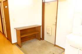 https://image.rentersnet.jp/9b5cded4-eed9-4a29-846f-55f81c96e87a_property_picture_1992_large.jpg_cap_玄関