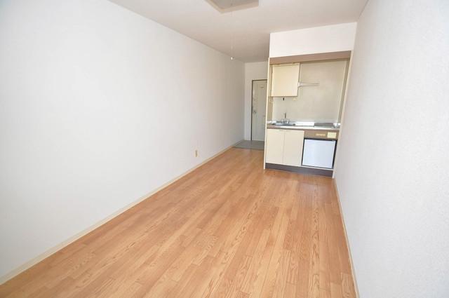 シャルマン89 陽当りの良いベッドルームは癒される心地良い空間です。