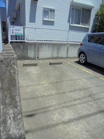 カームハイツ駐車場