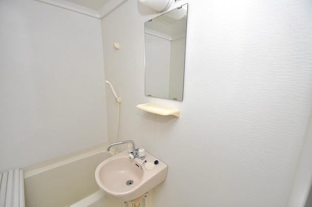 ヴィーブルアサダ 可愛いいサイズの洗面台ですが、機能性はすごいんですよ。