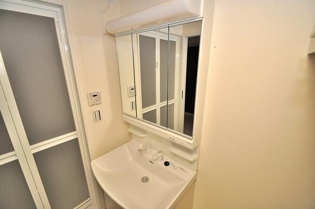 HERITAGE高井田 人気の独立洗面所はゆったりと余裕のある広さです。