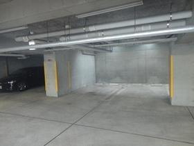 エル岸根公園駐車場