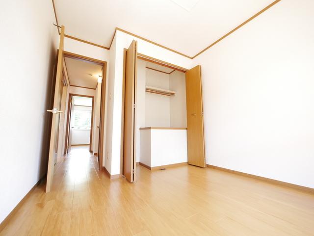 アラモードB居室