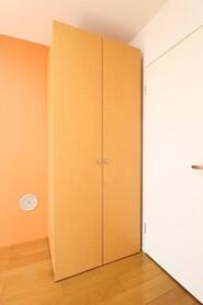ヴィラ・アゼリア 301号室