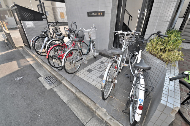 カーサデル吉松 あなたの大事な自転車も安心してとめることができますね。