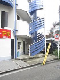 高田駅 徒歩9分エントランス