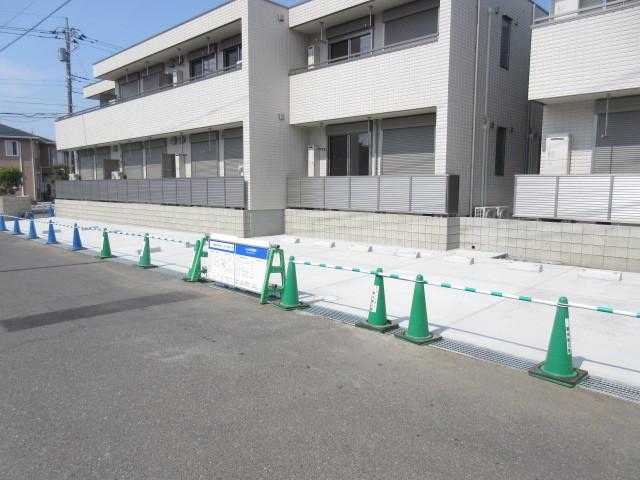 ファミーユ2駐車場