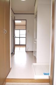 https://image.rentersnet.jp/9c9bc09a-dcc7-485c-996b-2fb95aa5f6a7_property_picture_2419_large.jpg_cap_居室
