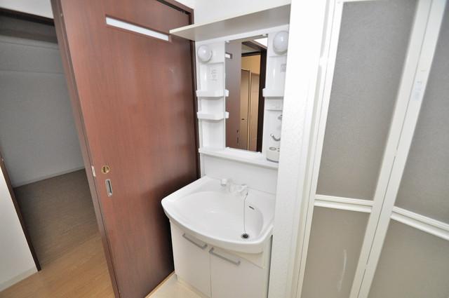 コート グランシャリオ 人気の独立洗面所はゆったりと余裕のある広さです。