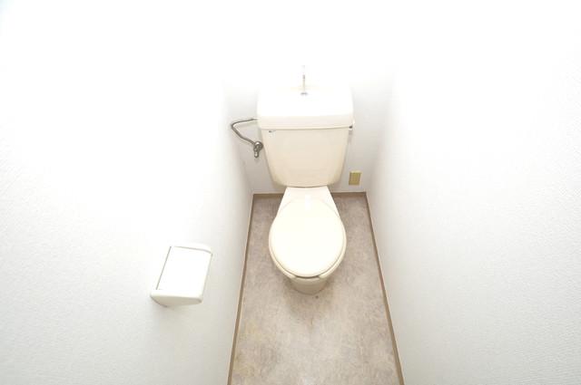 ゴッドフィールドⅢ スタンダードなトイレは清潔感があって、リラックス出来ます。