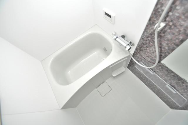 クリエオーレ巽南 広めのお風呂は一日の疲れを癒してくれます。