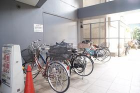 敷地内駐輪場あり。