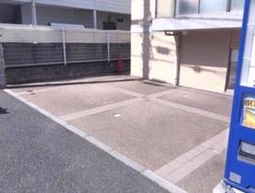 ラ・シード妙蓮寺駐車場