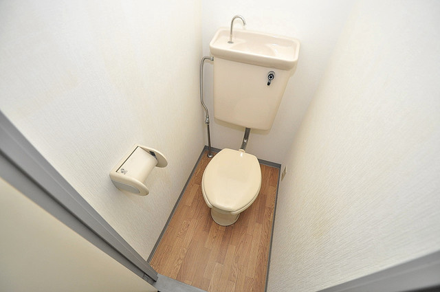 ルヴェール光陽園 清潔感のある爽やかなトイレ。誰もがリラックスできる空間です。