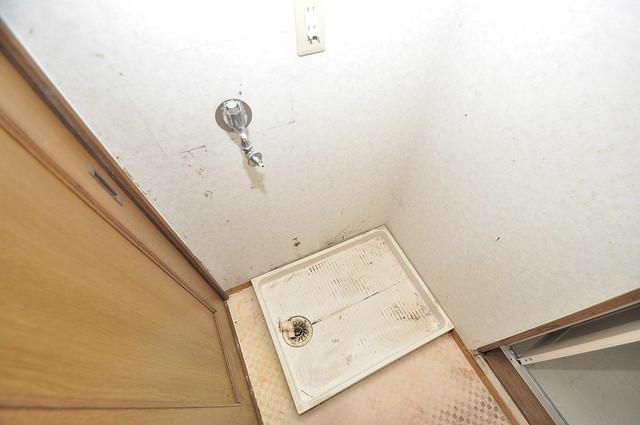 カトル・セゾン 嬉しい室内洗濯機置場。これで洗濯機も長持ちしますね。