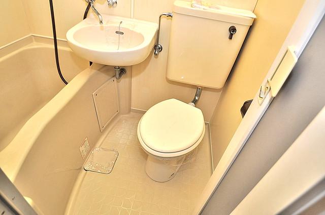 プレステイジ緑橋 お風呂・トイレが一緒なのでお部屋が広く使えますね。