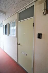 https://image.rentersnet.jp/9e06d8f7-7d05-4d0a-b00e-546667e35ba6_property_picture_956_large.jpg_cap_玄関