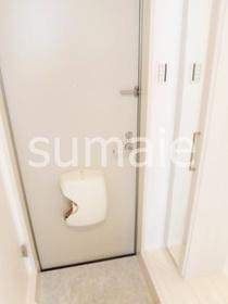 鏡付きシューズボックスのが付いてる玄関です!