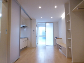 https://image.rentersnet.jp/9e92bf0676de5a1a5e26970475c56ba7_property_picture_956_large.jpg_cap_居室