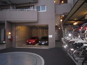 クリオ上野毛ラ・モード駐車場