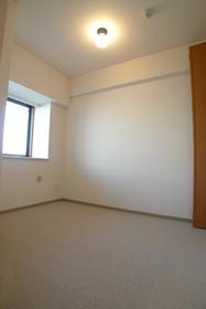 ドルフ 304号室