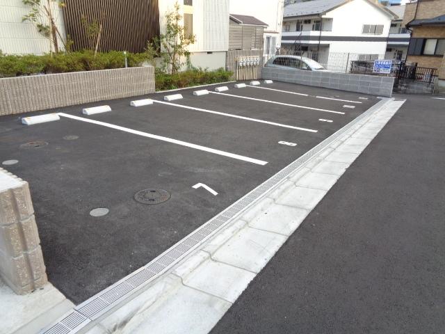 シンフォニア BORIKI・S駐車場