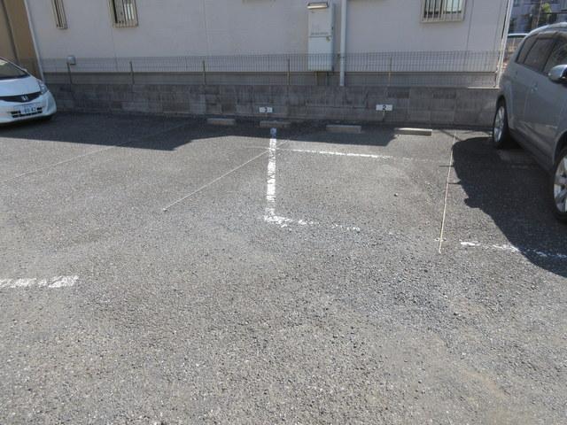 メゾンヴィエント駐車場