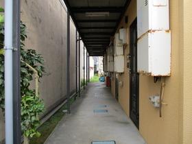 https://image.rentersnet.jp/9f1255f84dde7d778c1e20fe1eebccd7_property_picture_3186_large.jpg_cap_エントランス