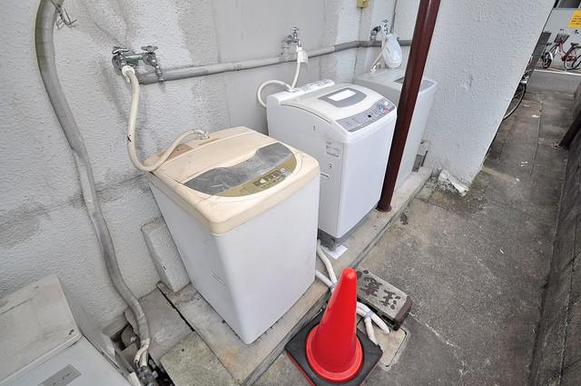 開運荘 洗濯機が2台も完備してるので洗濯機がなくても大丈夫。