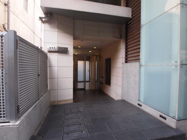 六本木駅 徒歩10分エントランス
