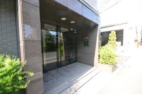 ルーブル飯田橋エントランス