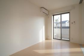 ベルニナ 101号室