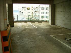 グローリハイツ駐車場