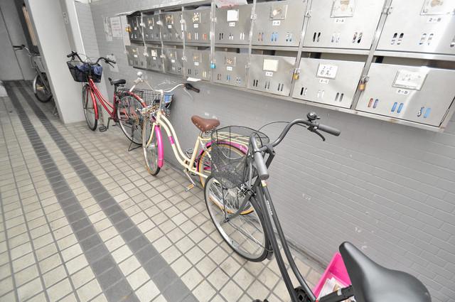 プレアール小阪 あなたの大事な自転車も安心してとめることができますね。