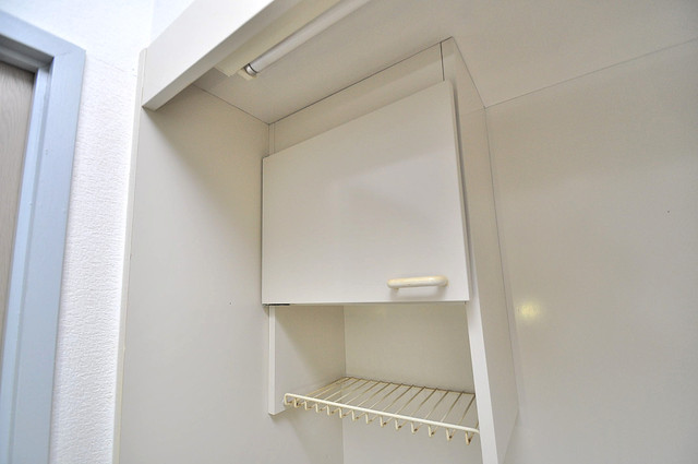 フローラ ラポルテ キッチン棚も付いていて食器収納も困りませんね。