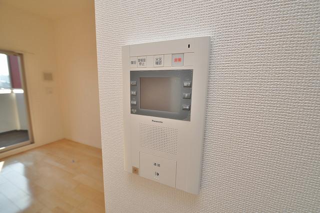 SERENITE高井田(セレニテ) モニター付きインターフォンでセキュリティ対策もバッチリ。