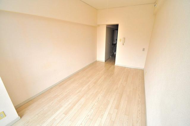 エクセルシオール長田 落ち着いた雰囲気のこのお部屋でゆっくりお休みください。
