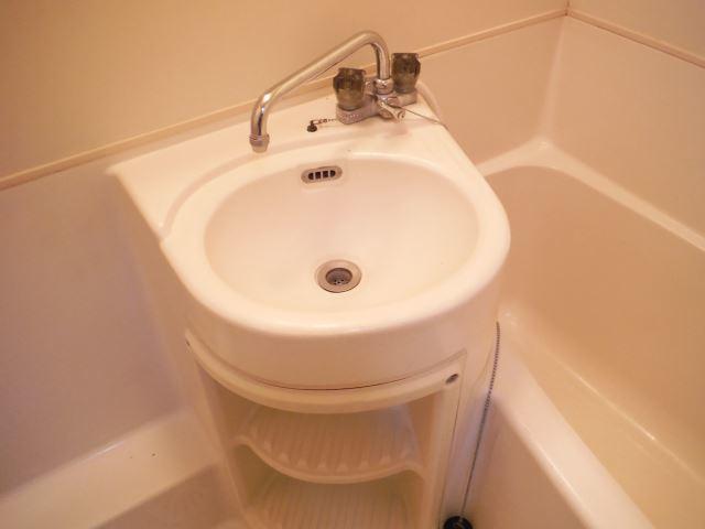 お風呂は洗面台付き