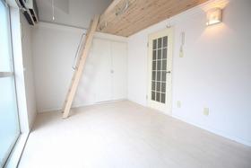 https://image.rentersnet.jp/a03598a8-3bb4-4dd4-be6b-f687339947a1_property_picture_957_large.jpg_cap_居室
